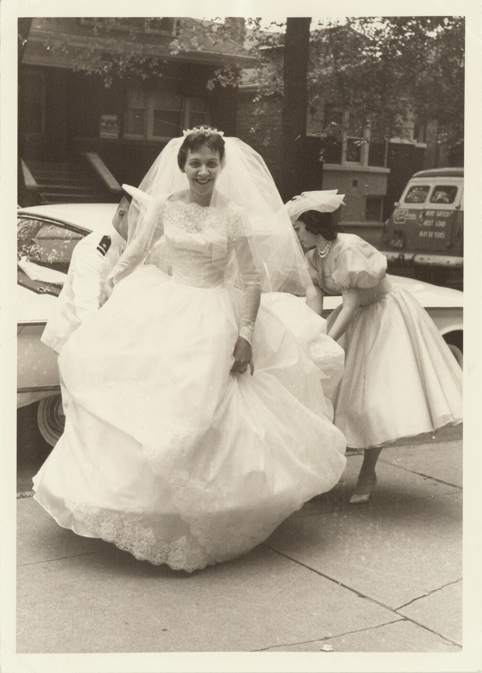 Adorable Real Vintage Wedding Photos From the 1960s ...