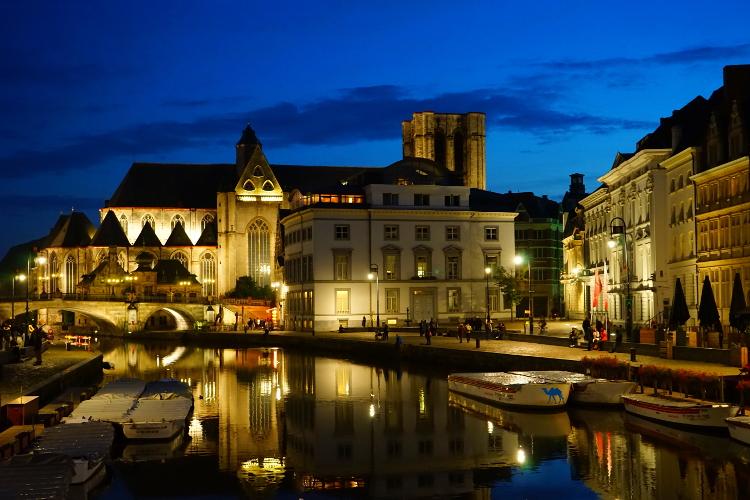 Le Chameau Bleu - Blog Voyage Gand Belgique - Gand Tourisme - Graslei - Week end en amoureux à Gand en Belgique