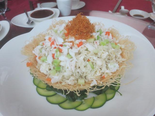 一团和气 - 香炒蛋白蟹肉炒饭米粉篮