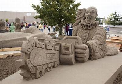 Escultura de arena de payaso asesino