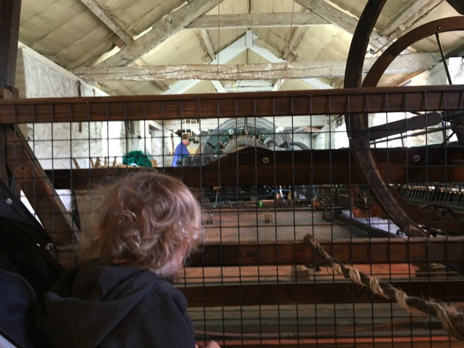 toddler-watching-weaver-at-St-Fagans-Castle-and-gardens