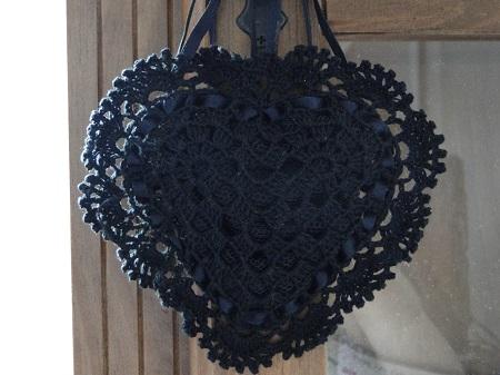 Sachê de crochê em forma de coração - por Pecunia MillIioM