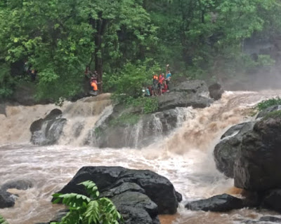106 people stranded in Chinchoti waterfalls after heavy rains in Mumbai one killed