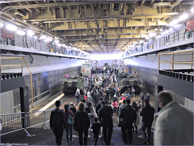 Interior de uno de los Barcos Militares durante la Fleet Week de Nueva York