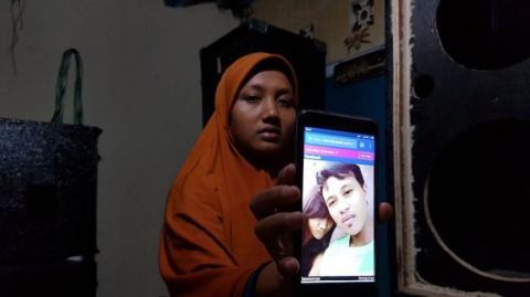 Memilukan, Begini Cerita Istri Almarhum Pria yang Dibakar Hidup-hidup di Bekasi