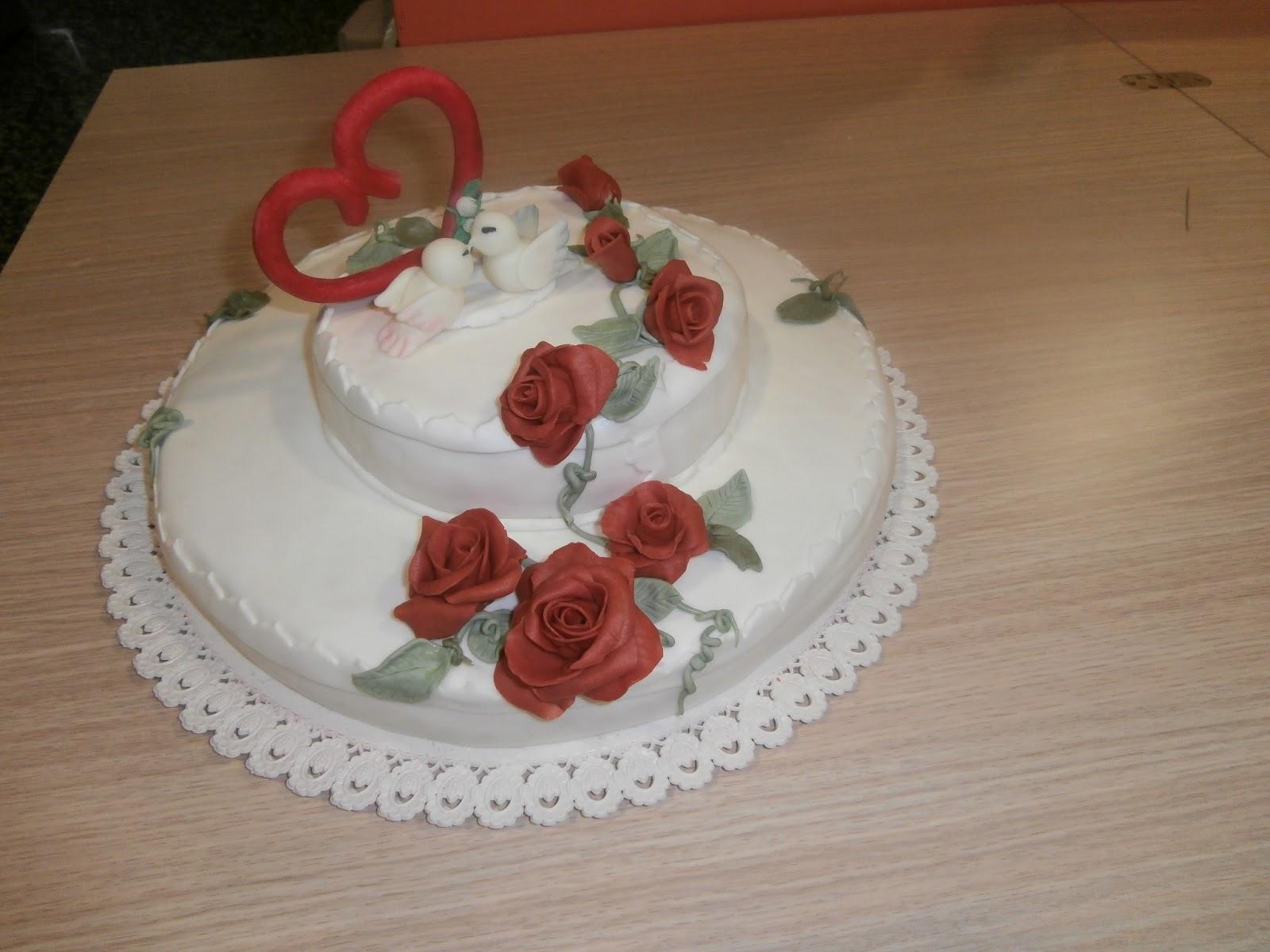 Favoloso vaniglia viole e cannella: torta a due piani per 50 anni di matrimonio CH29