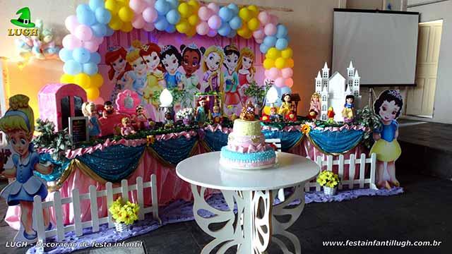 Decoração festa de aniversário infantil tema Princesas Baby Disney - Mesa decorativa tradicional luxo