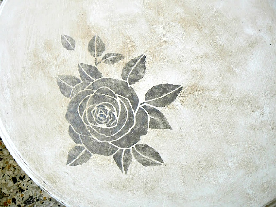 Rose stencil on round table