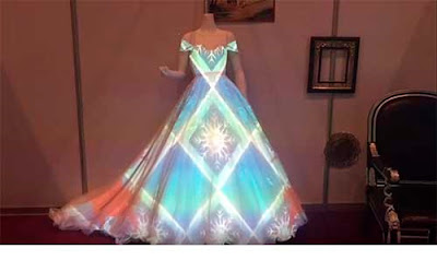 3D mapping for wedding dress