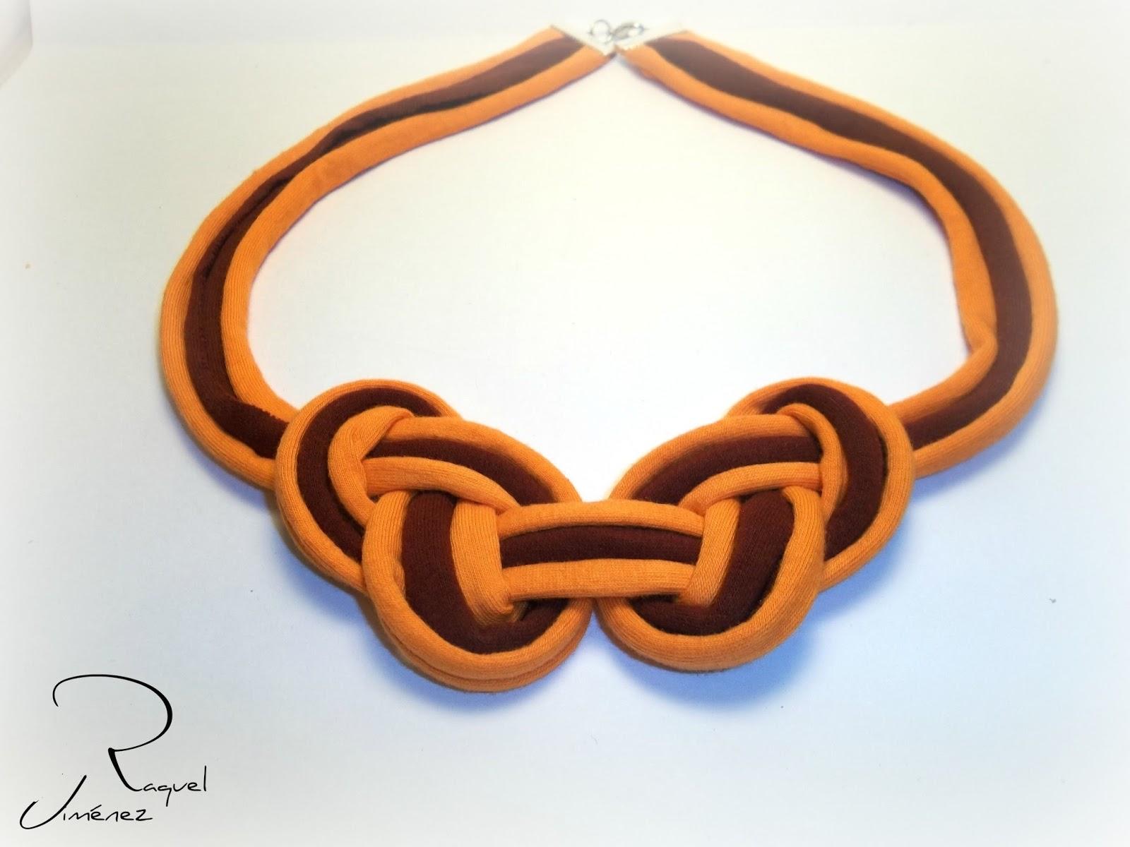 collar de trapillo bicolor