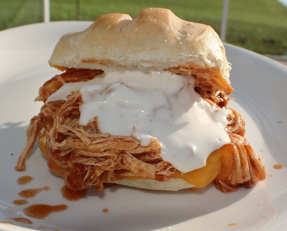 how to make slow cooker crock pot buffalo pulled chicken