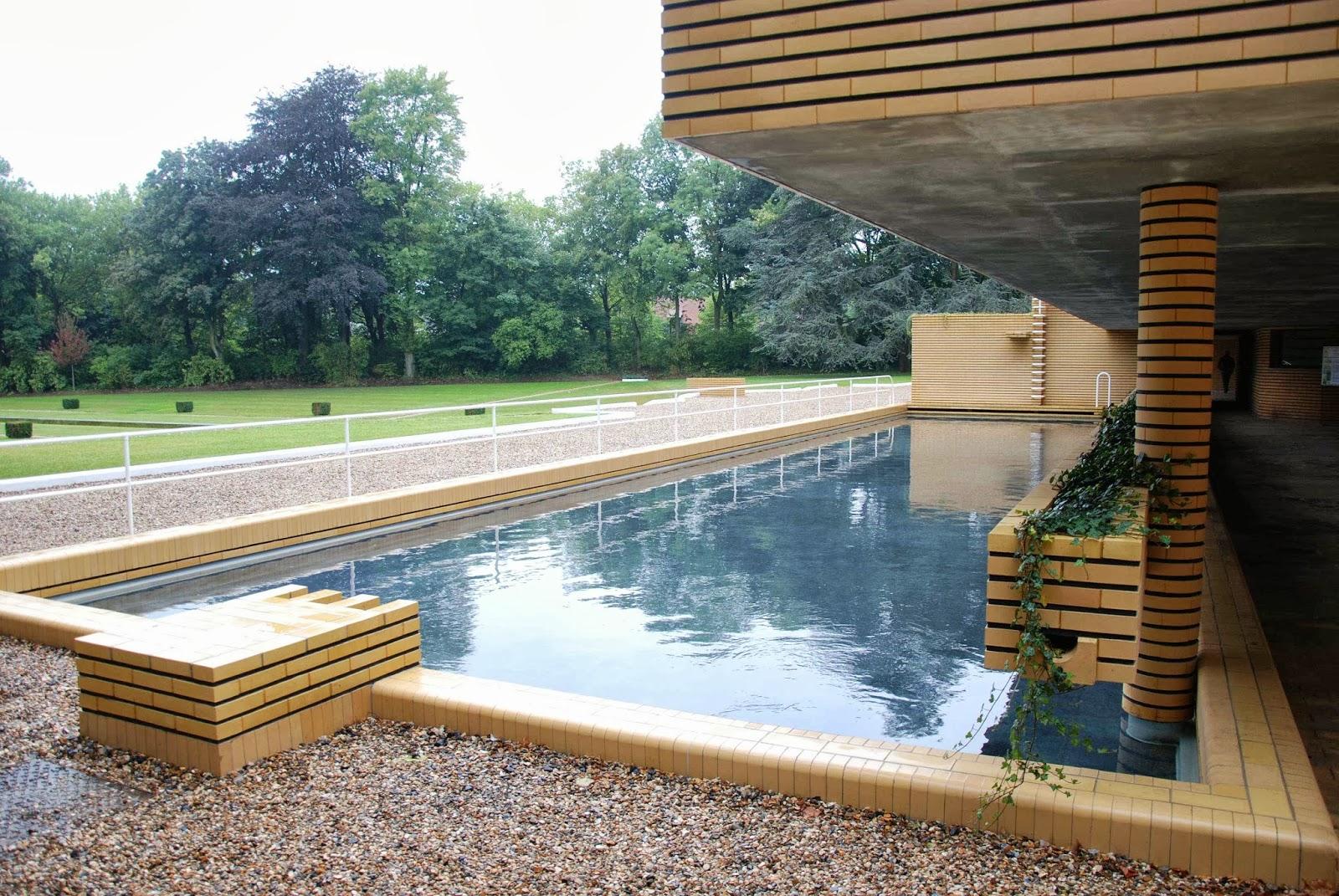 le blog des amis de la villa cavrois le bassin de natation. Black Bedroom Furniture Sets. Home Design Ideas