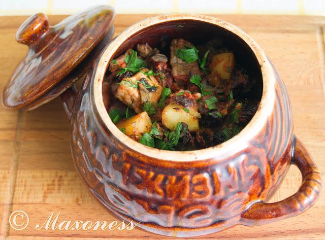 Пражанина (мясо с овощами в горшочках). Белорусская кухня