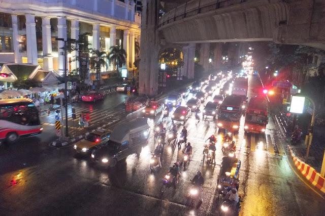 bangkok-crossing バンコクの交差点