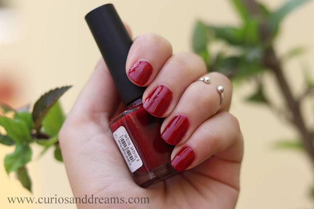 Nykaa nail polish, Nykaa floral carnival nail polish, review, swatch, arabian night rose