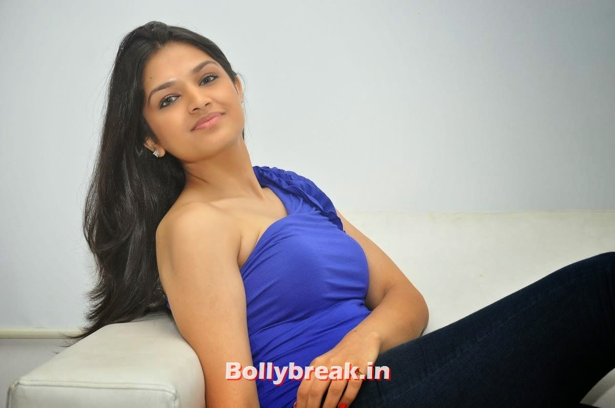 Tara Alisha Berry Pics In Blue - Attrice cinematografica Mastram-1495