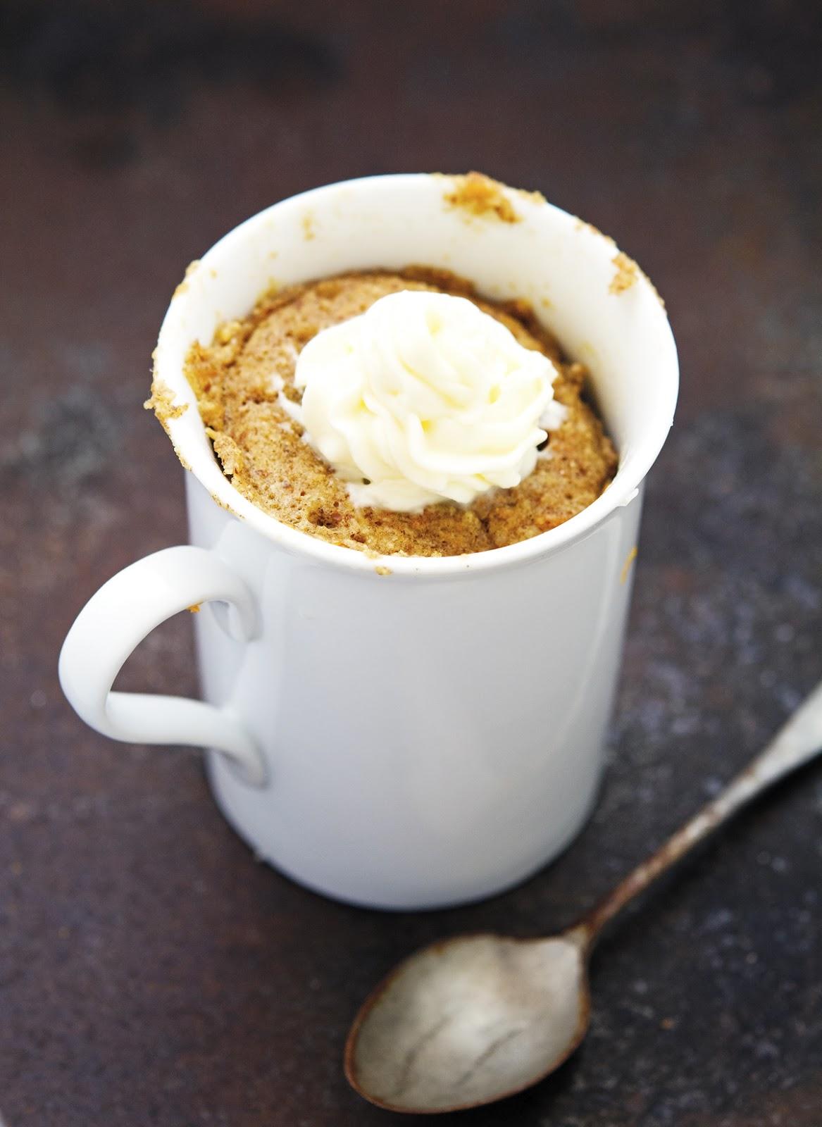 (Paleo) Carrot Cake In A Mug
