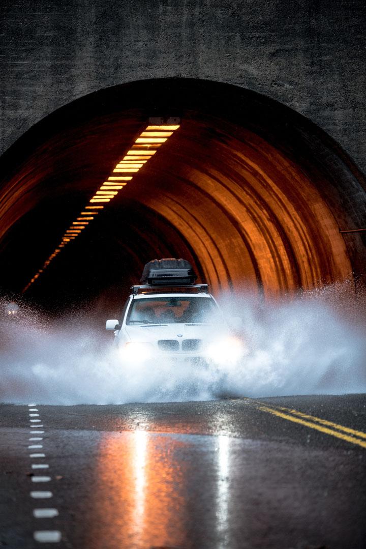 Elakkan melalui terowong bawah tanah