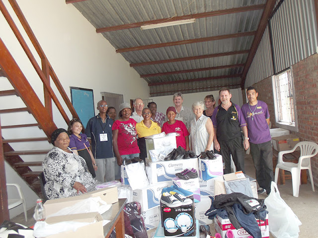 Hollywoodbets Jeffrey's Bay with goods donated to the SOS Project - Social Responsibility
