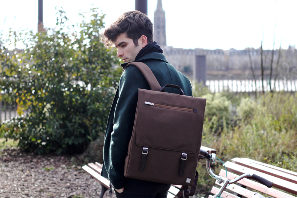 Blog-mode-style-homme-paris-bordeaux-sac-dos-moshi-batterie-externe-iphone-macbook-echarpe-dries-van-noten-veste-jacket-harris-wharf-london-racing-green-salasa-sweater-michael-parboot-bike-vintage
