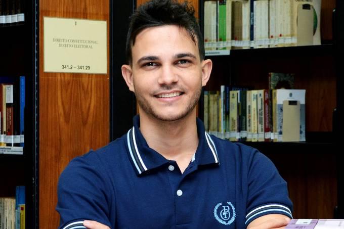Professor brasileiro está entre os dez melhores do mundo