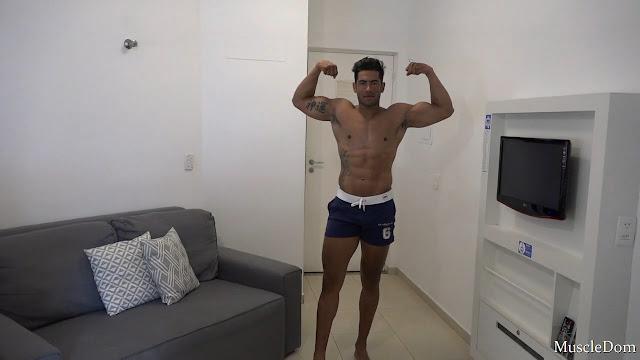MuscleDom - Douglas B.