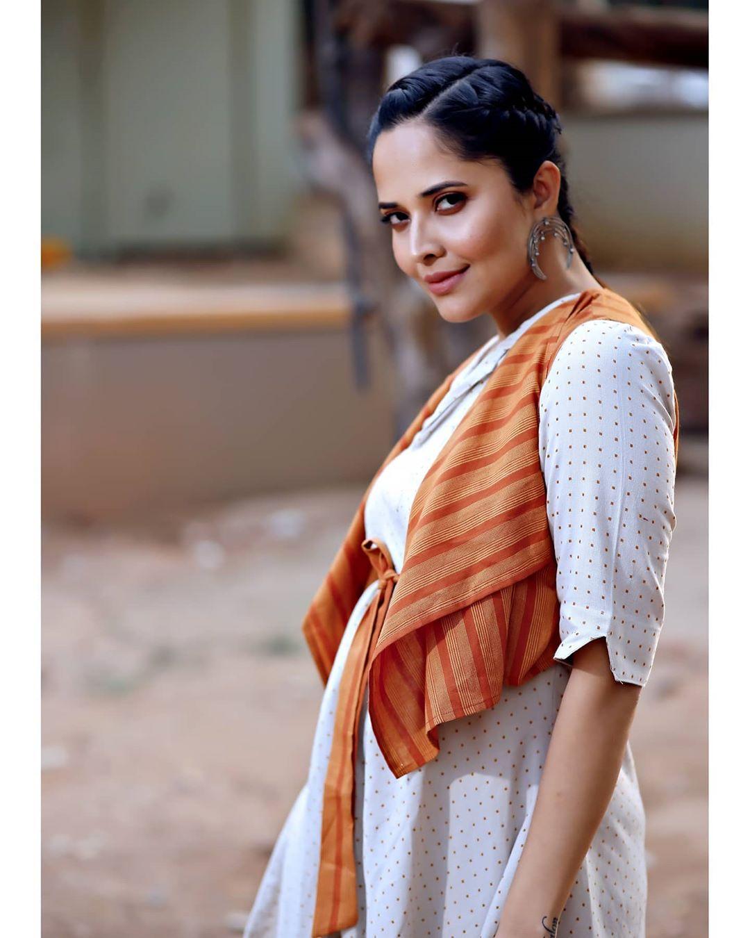 Anchor Anasuya Bharadwaj New Photoshoot Pics