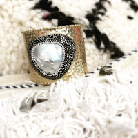 http://www.bardaccessoires.com/product/bracelet-goldwhiteblack