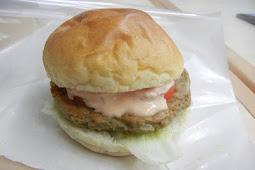 釜石バーガー・イワシパテ・そば粉バンズ・美味い!