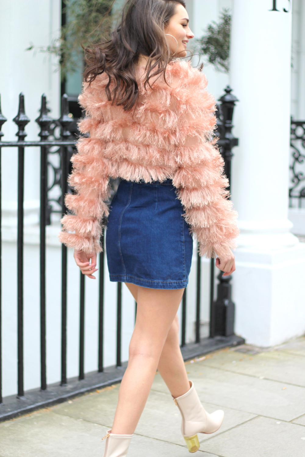 denim mini fluffy jumper peexo blogger