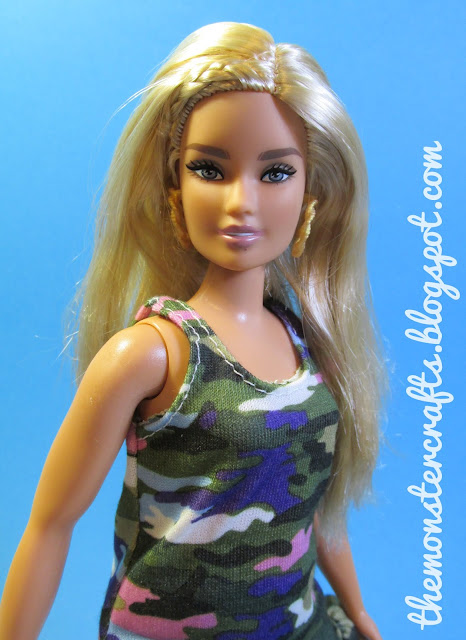 Barbie Fashionista Curvy Teresa Headmold