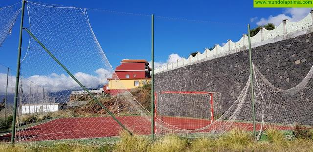 CC en Puntallana denuncia el abandono de plazas, canchas y espacios comunes del municipio