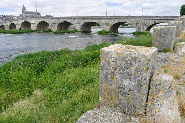 De Paris à Angers par la Loire à vélo, Blois