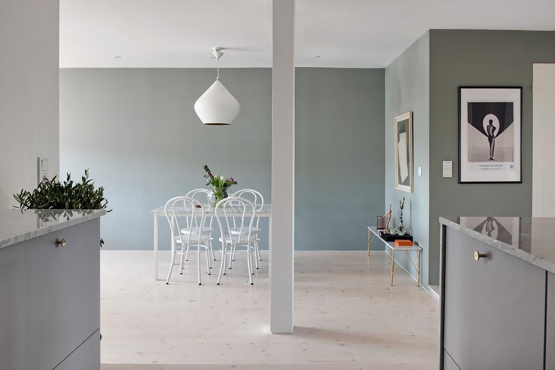 Favorito Mansarda open space con tonalità grigio verde e cucina in marmo  PP18