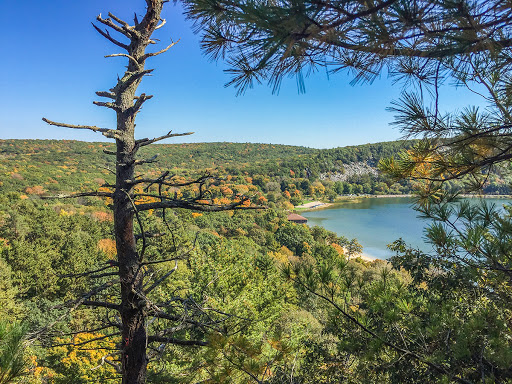 West Bluff Trail at Devils Lake State Park