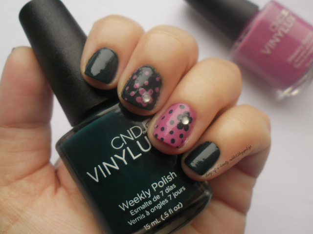 CND VINYLUX Contradictions Weekly Nail Polish Couture Covet