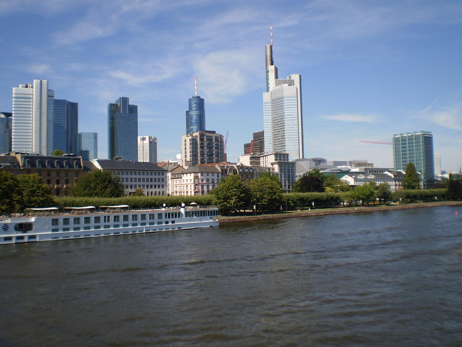 Viajar frankfurt centro hist rico y zona norte for Hoteis zona centro com piscina interior