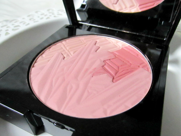 ALCINA Brilliant Blush 010 Tripple Rose - 9g - 17.95 Euro - Prägung