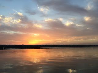 Segeln auf dem Ammersee bei Sonnenuntergang