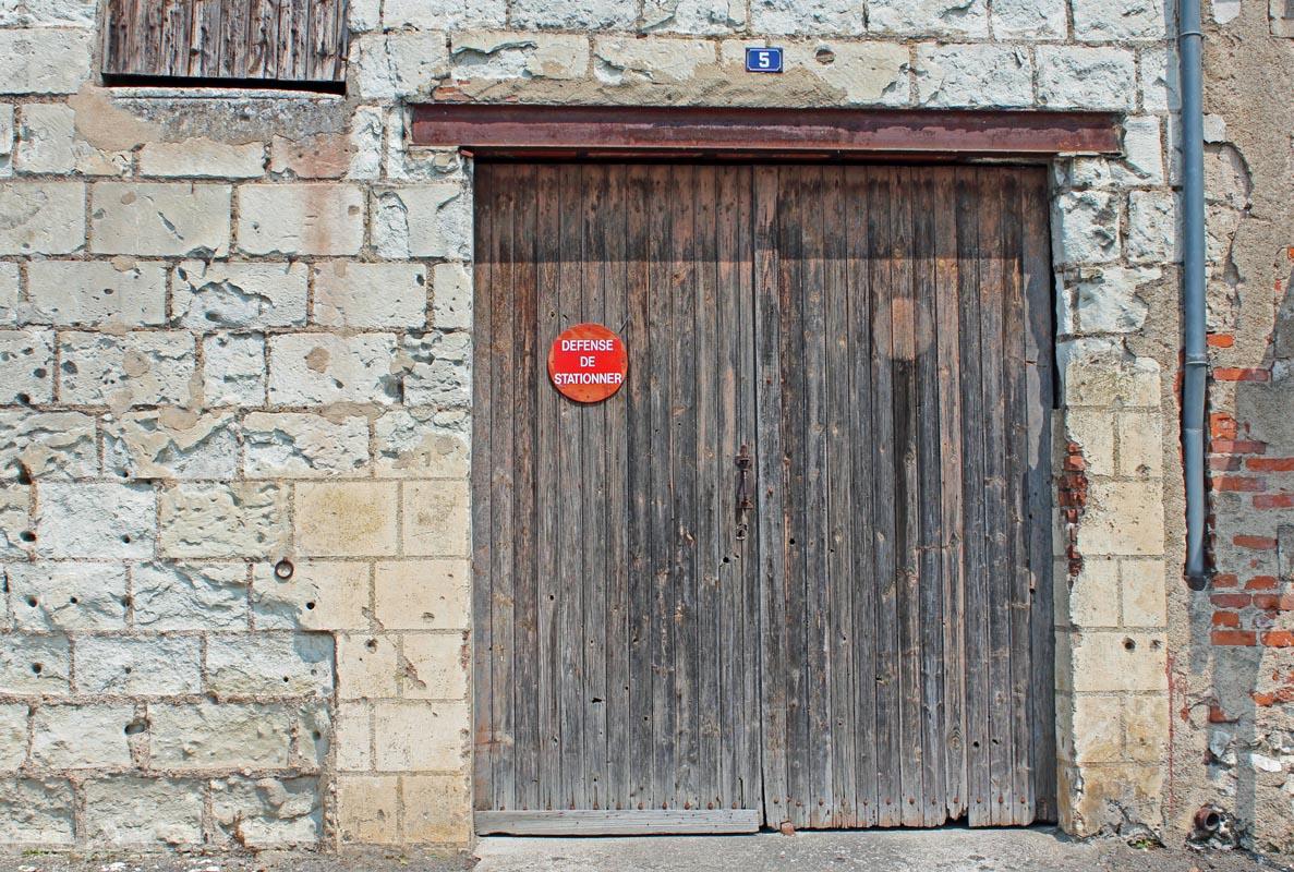 wcs: Old wooden doors