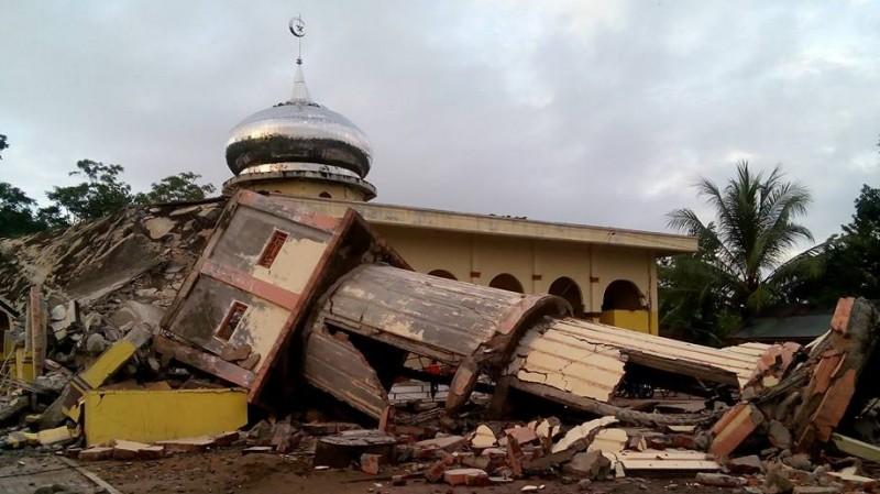 Masjid lain yang juga roboh akibat gempa