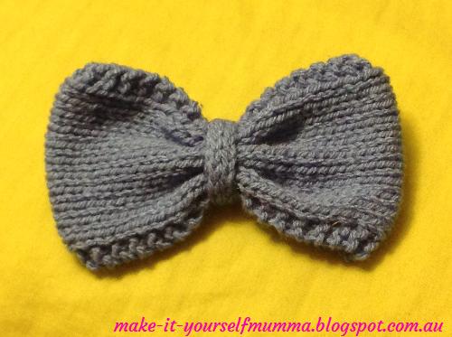 make-it-yourself mumma: Knitted Bows Tutorial - Free Patterns
