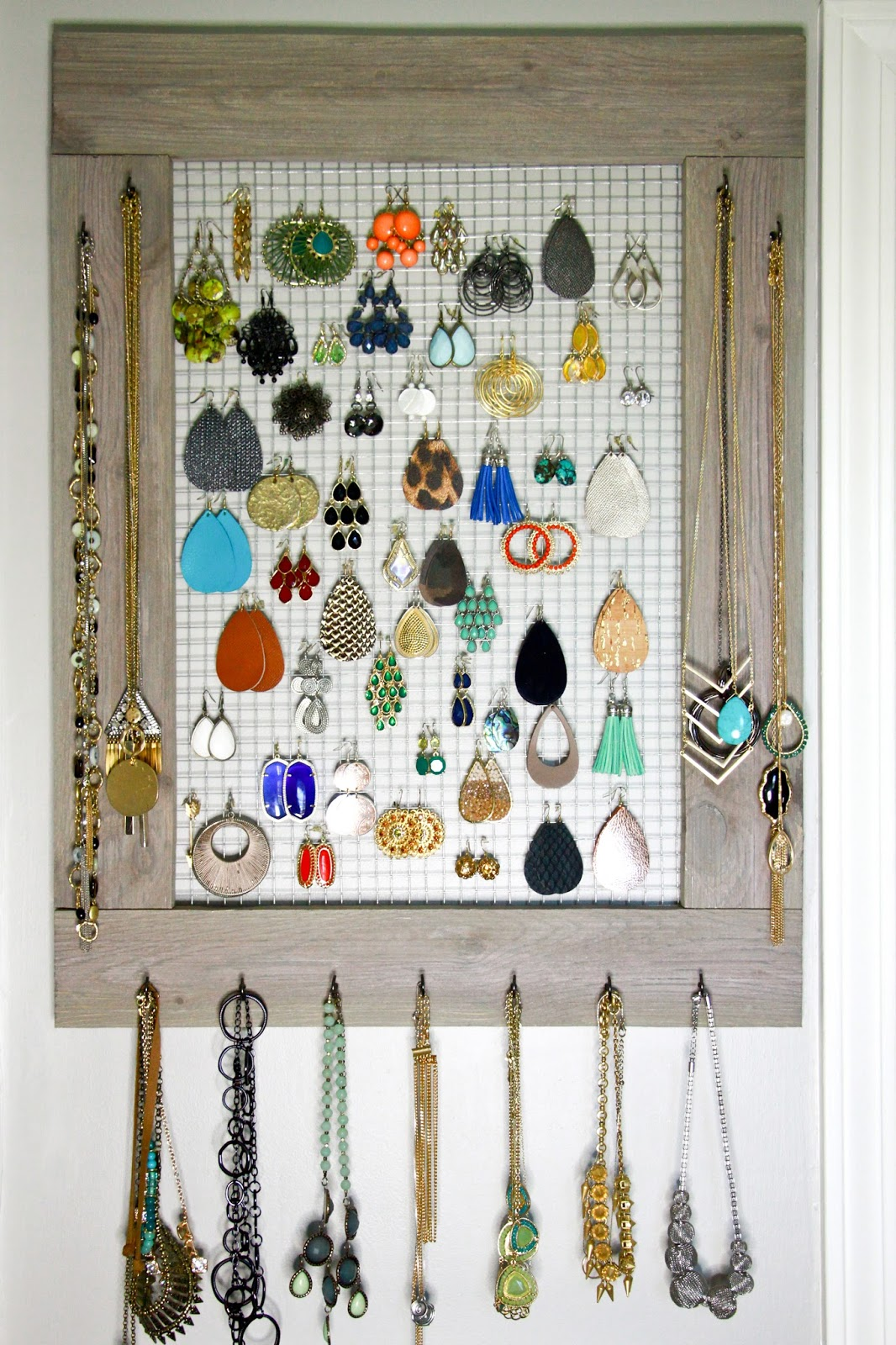 Midwestern Mama: DIY Jewelry Organizer Frame