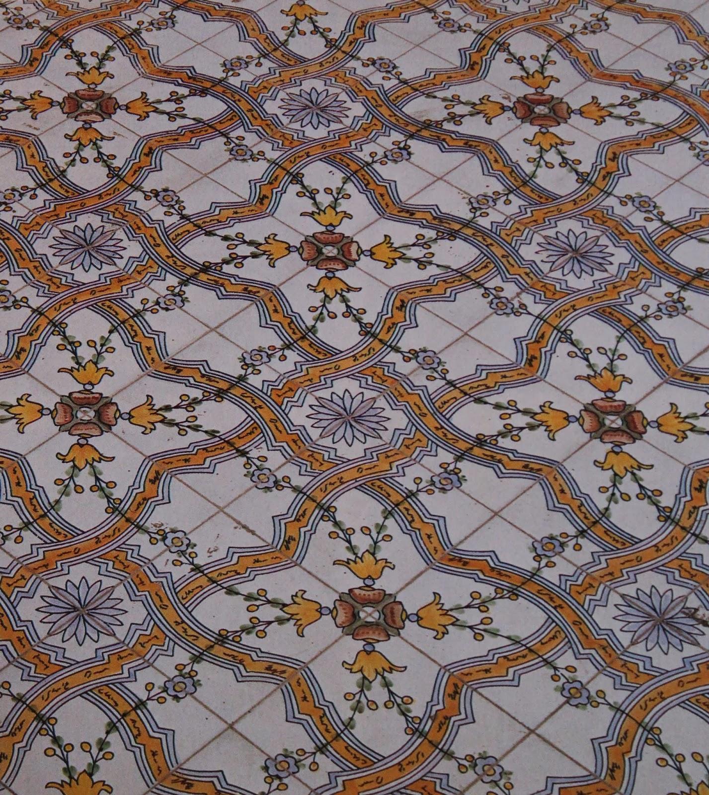 Reportagesicilia le mattonelle maiolicate sui tetti di for Mattonelle per salone