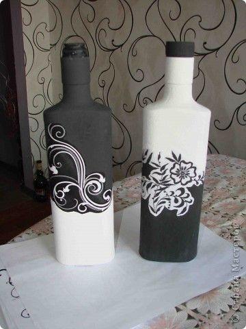 14 ideas para decorar botellas de vidrio en blanco y negro - Manualidades con botellas de cristal ...