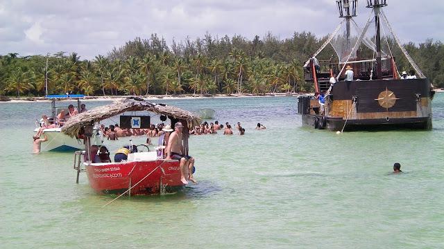 Piscina natural en el Caribe - Bávaro