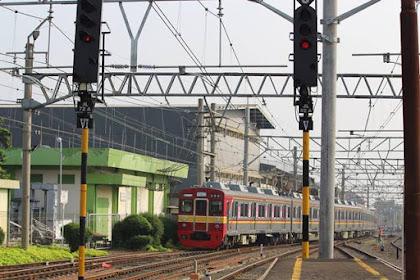 Kalau Anda Mengatakan Commuter Line Tidak Manusiawi, Berarti Anda Pengguna KRL Pemula