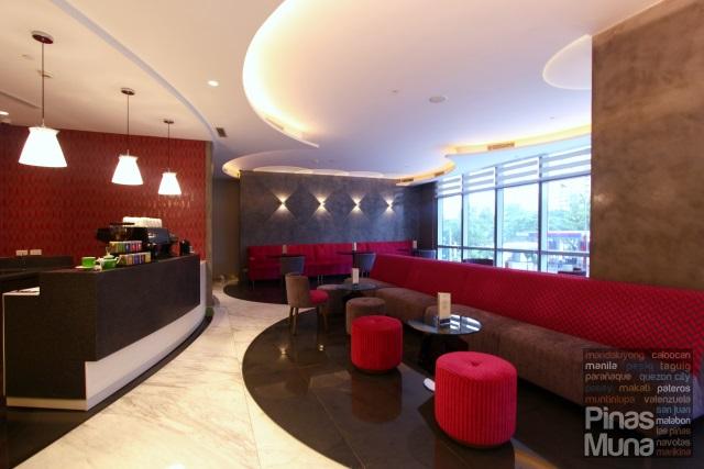 Lobby Lounge Cafe at Mercure Manila Ortigas