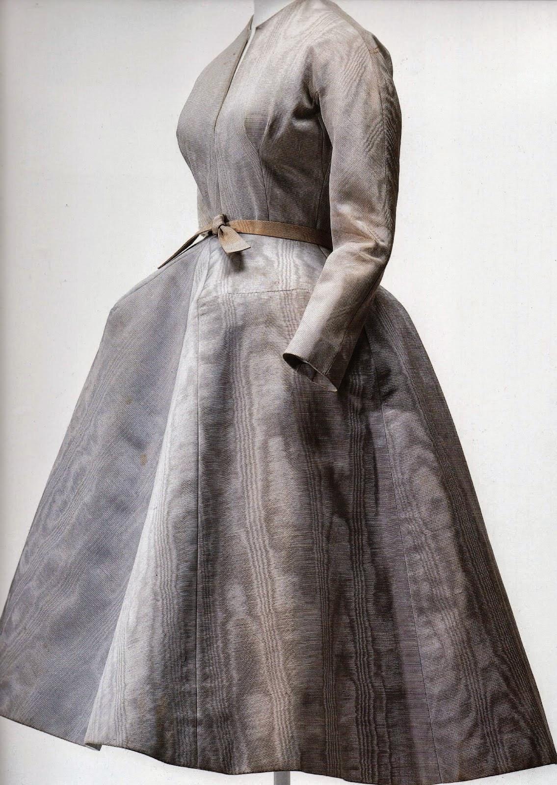 066fa84b4e Foto  Vestido de Dior. Historia de la moda y los tejidos
