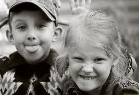 e48ee402b45 Δεν καταλαβαίνουν ότι έτσι το παιδί μεγαλώνοντας δεν θα αντιλαμβάνεται το  μέτρο, το όριο και το σεβασμό; Μετά αναρωτιούνται οι γονείς γιατί  συμπεριφέρεται ...